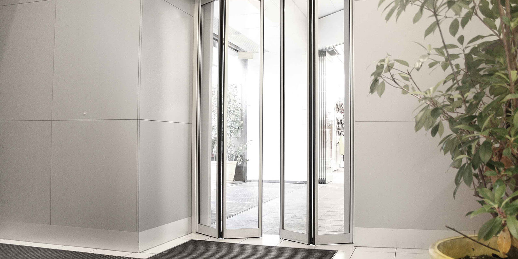 Glass Commerical Doors London
